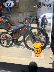 exemple de matériel pour road trip en vélo avec le Bike packing